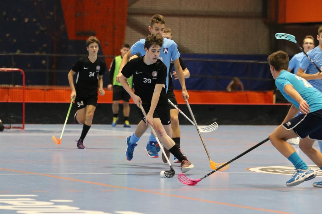 LOC Manēžā sākas U18 sezona